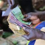 Hands-with-Money